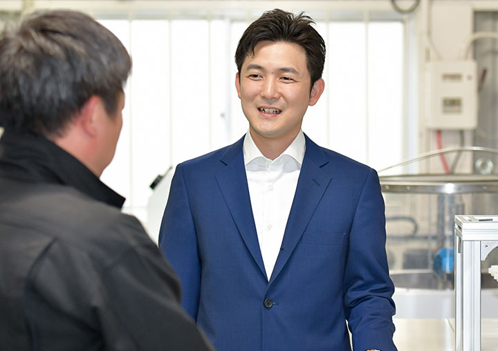 安江のぶお 新=愛知選挙区(定数4)  31歳。明日への挑戦。