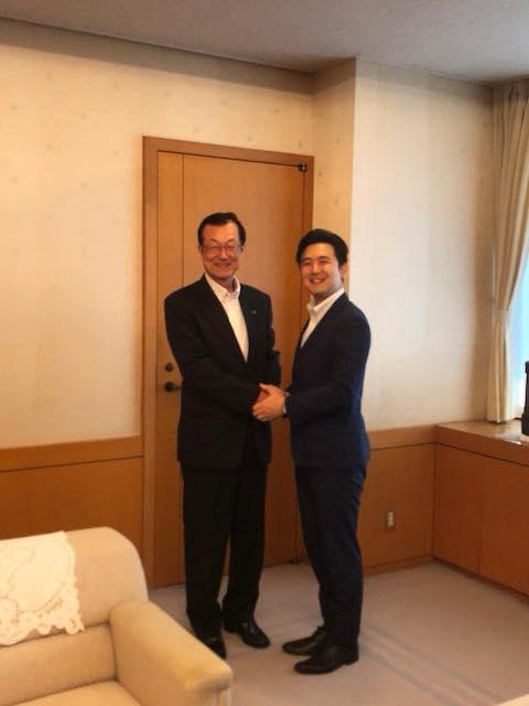 春日井市の伊藤市長に挨拶させていただきました