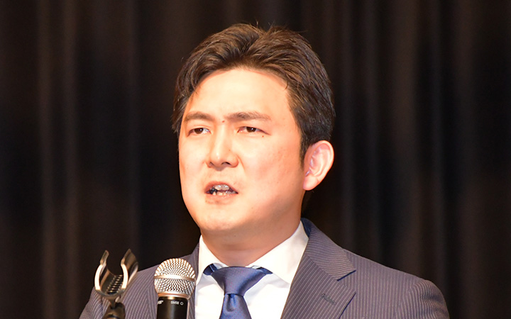 決意を語る安江氏=25日 愛知・瀬戸市