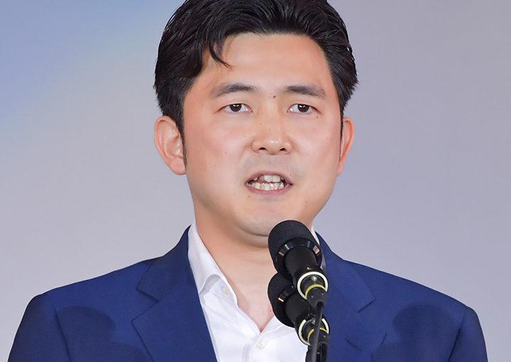 安江のぶお氏