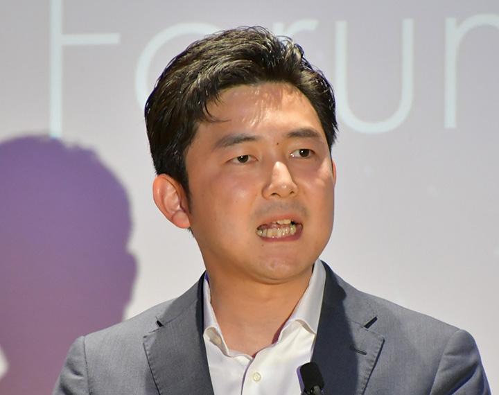 ユース・フォーラムで参院選勝利への決意を語る安江氏