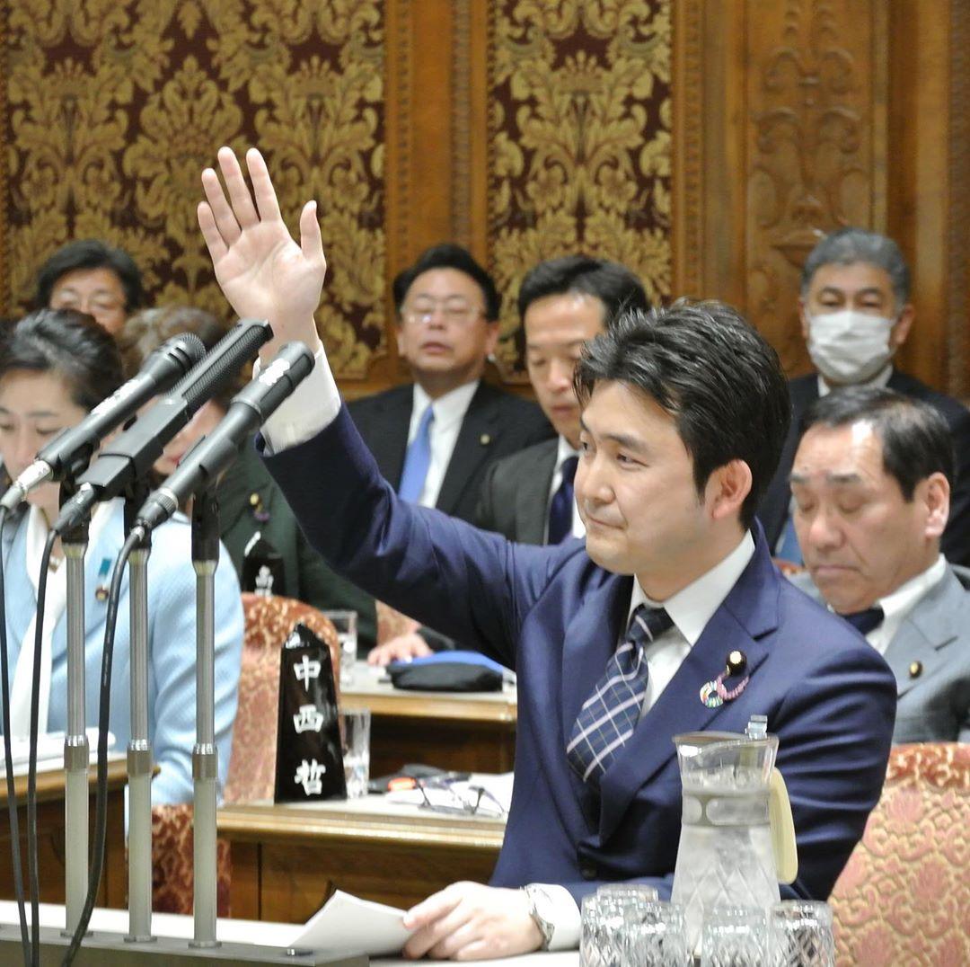参議院予算委員会で初の質問