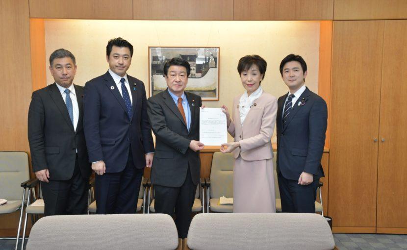 稲津久厚生労働副大臣に「認知行動療法に向けた申入れ」