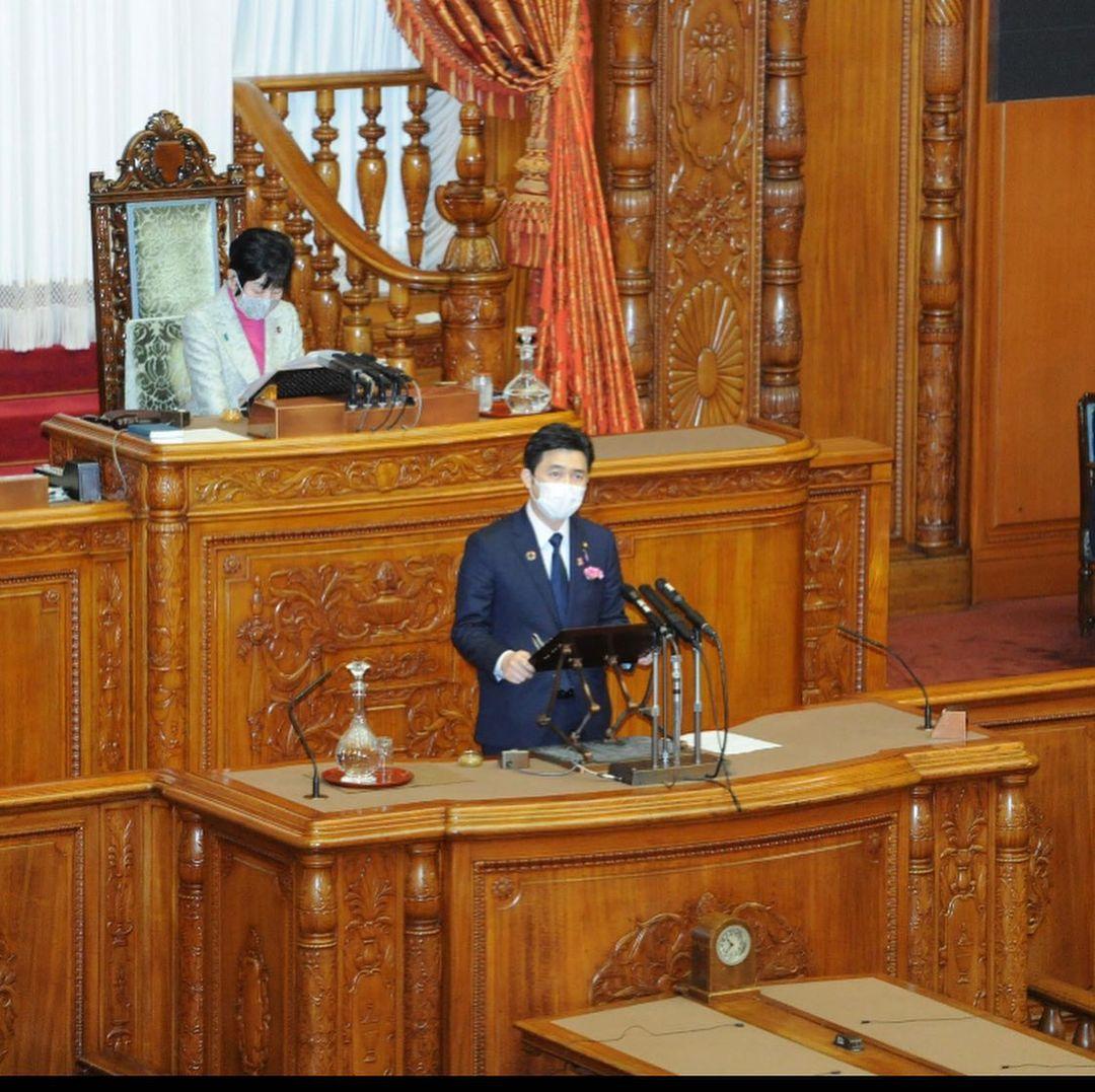 参議院本会議で初めての質問