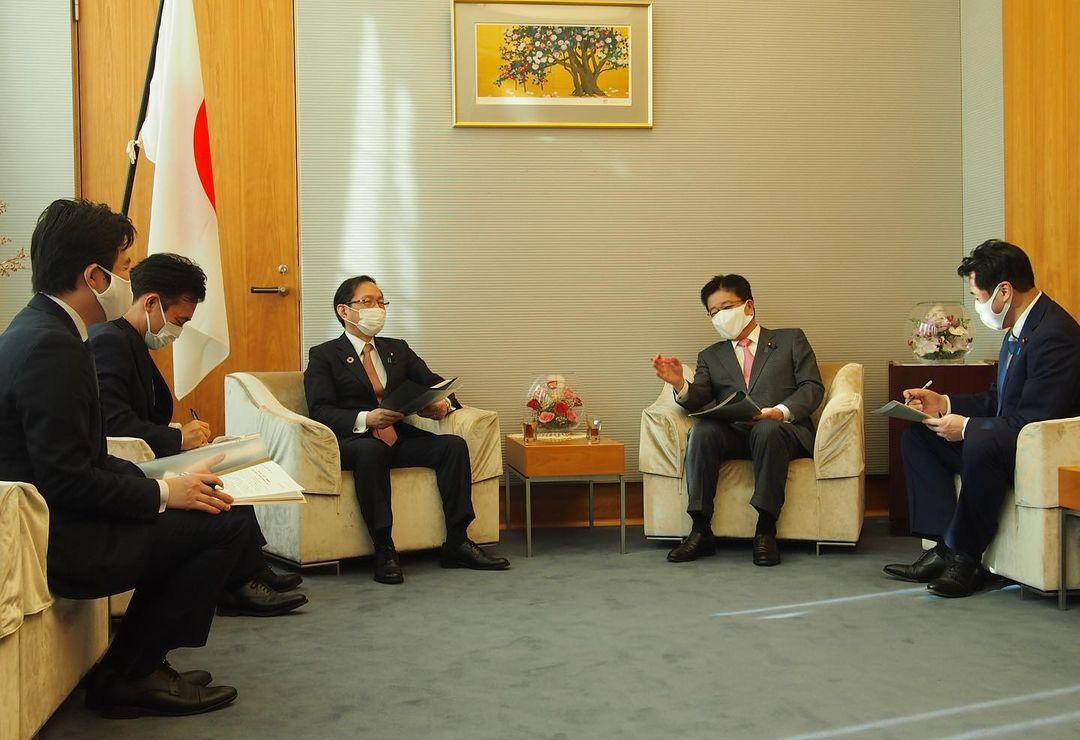 加藤勝信内閣官房長官宛に、青年委員会として、政策提言を提出