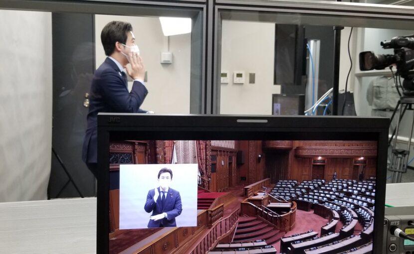 参議院のインターネット審議中継手話同時通訳の導入が実現