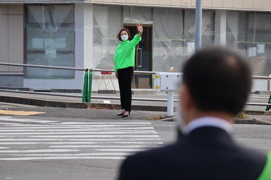 伊藤恵夫人の代議士を見つめる暖かい眼差し
